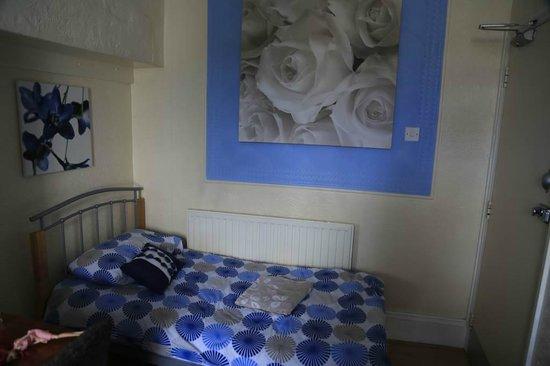 Blakeney Guest House: room 6