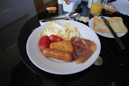 Blakeney Guest House: nice breakfast
