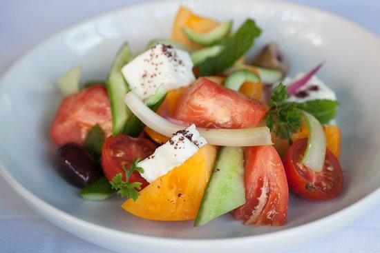 8 North Broadway : Farmer's Tomato Salad