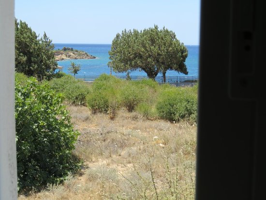 Matina Pefkos Aparthotel: View from our kitchen window