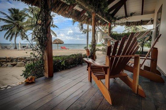 Jaguar Reef Lodge & Spa : Outside of your Cabana