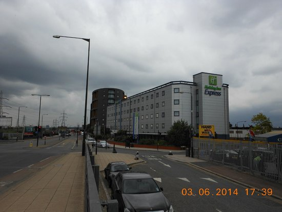 view of the hotel picture of holiday inn express london. Black Bedroom Furniture Sets. Home Design Ideas