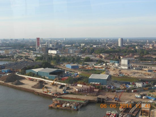 Holiday Inn Express London Royal Docks - Docklands: The hotel from Emirates Air Line- Royal Docks