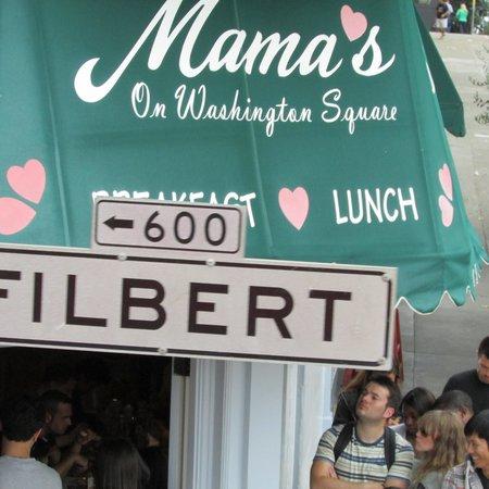 Mama's on Washington Square: Das Mamas!!