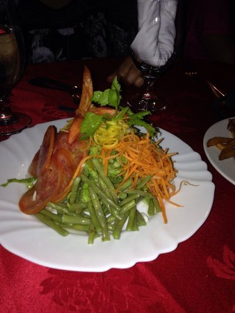 Bar Parrillada Buena Vista: Salad appetizer