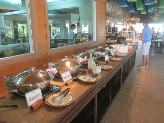 Dos Palmas Island Resort & Spa: Breakfast buffet (half of it!)