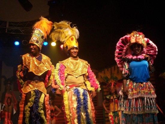 Dreams La Romana : Dominican Show: Eddy Murphy, Lookey Lookey, Pablo Picasso