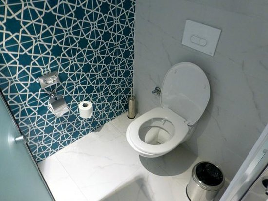 SENTIDO Marina Suites- Adult Only: Toilet in the room
