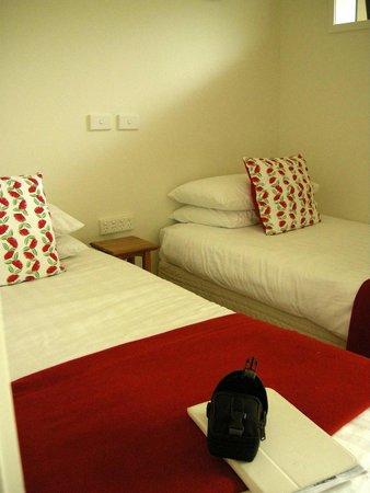 Beachfront Resort: Tiny second sleeping area