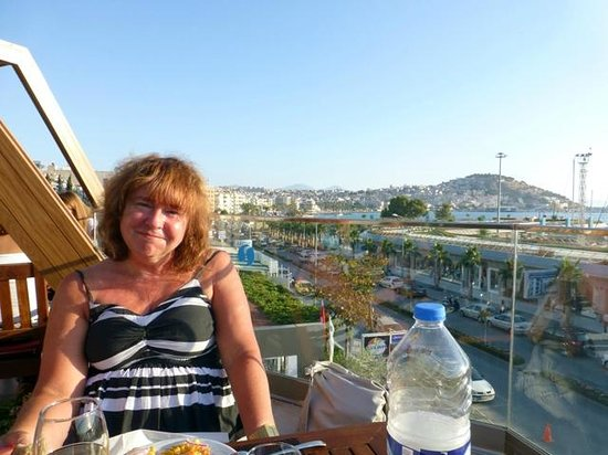 SENTIDO Marina Suites- Adult Only: Rooftop Dining Area