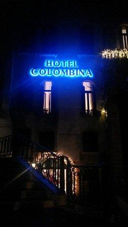 Hotel Colombina: Подсветка