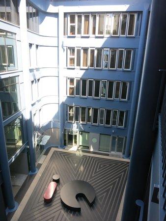 iQ Hotel Roma: Hotel IQ Blick in den Hof