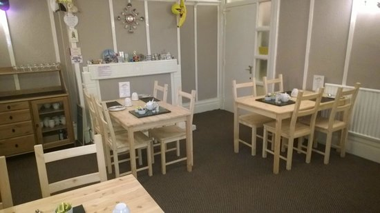 Waves Hotel: Dining Room