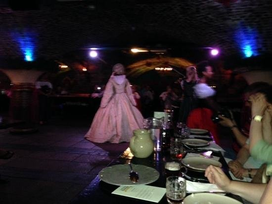 Medieval Banquet: GREAT KNIGHT!