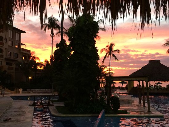 Canto Del Sol Plaza Vallarta: Amazing sunset
