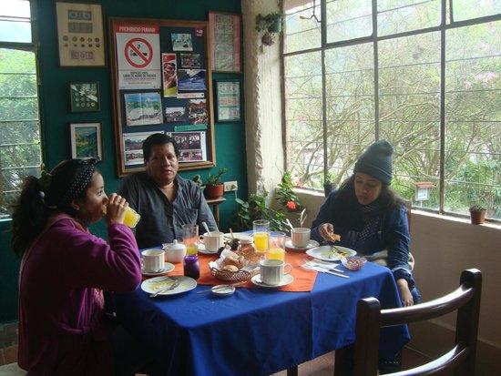 Hostal Llanovientos : Area del comedor,excelente ambiente