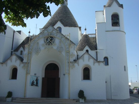 I Trulli di Alberobello - World Heritage Site: la chiesetta