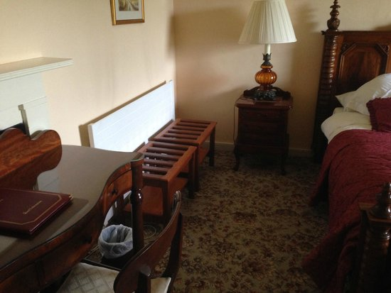 Castle Grove Country House Hotel: more of the room