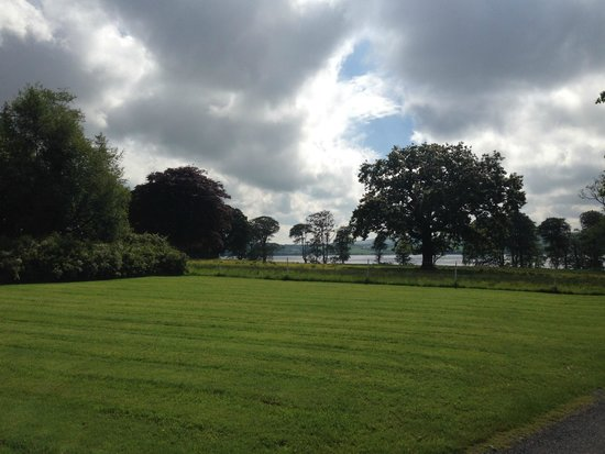Castle Grove Country House Hotel: hotel grounds and what we saw outside our window