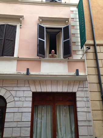 Albergo Ottocento: The hotel features large beautiful windows.