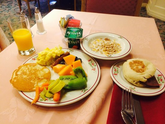 Woodcrest Hotel: Breakfast