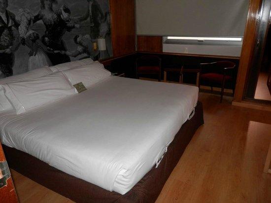 Hotel Goya: Cama King Size