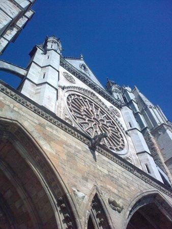 Santa Maria de Leon Cathedral: Cathedral front