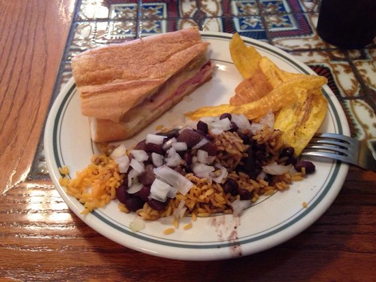 little habana cafe: Half Cuban with beans and rice lunch special