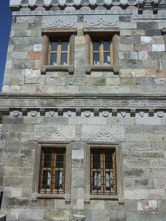 Vineyard Cave Hotel: external wall  of first floor