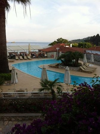 Hotel Esperides: view of the pool