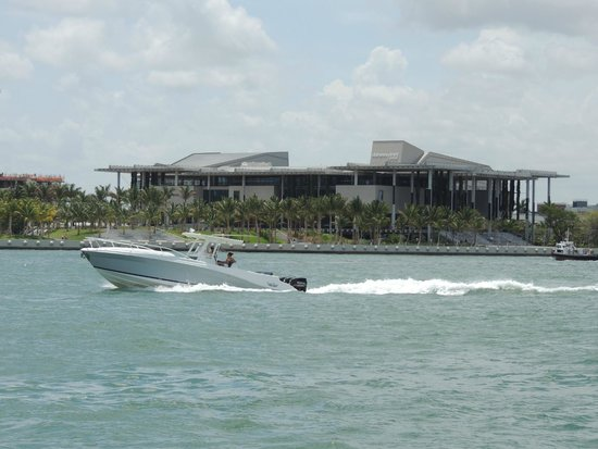 Perez Art Museum Miami: Perez Art Museum seen from the water
