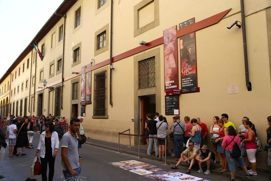 Accademia Gallery: Galleria