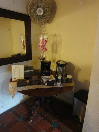 Calamari Hostal Boutique: Coffee/Tea area