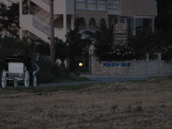 Ionion Blue Hotel: Ionion Blue, Horse & Carriage Ride