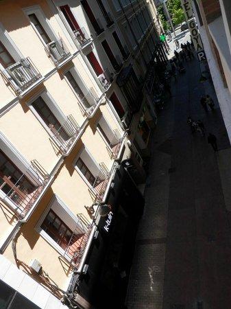 Hotel Goya: Vistas desde habitación exterior