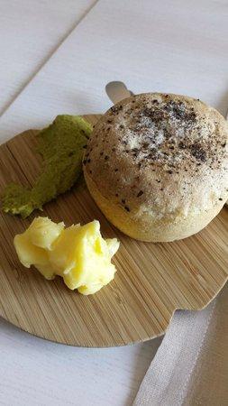 Olo  Ravintola : it just bread...but its teaste heven