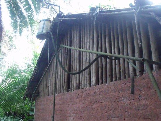 Kibale Forest Camp : Constructie voor warm water