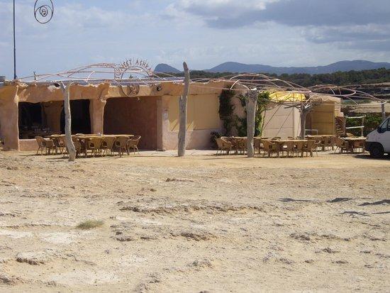 Cala Comte: beach bar