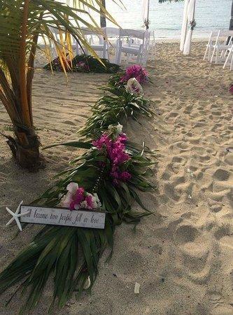 The Buccaneer -- St Croix : mermaid beach wedding set up