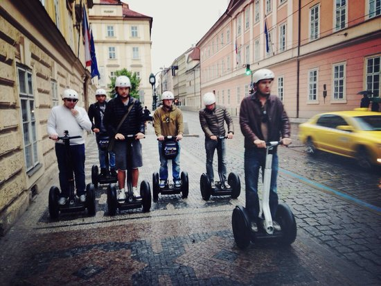 SEGWAY EXPERIENCE: Segway and E-Scooter Tours: Fin de la visite la nuit approche on rentre a l'hôtel