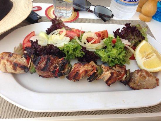 Anatolia : Souvlaki with salad instead of chips