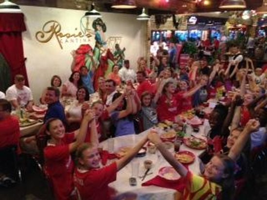 Rosie's Mexican Cantina: Great place for a big group!