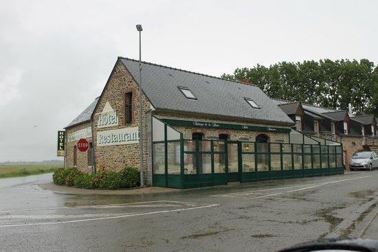 Auberge de la Baie : The dining area.