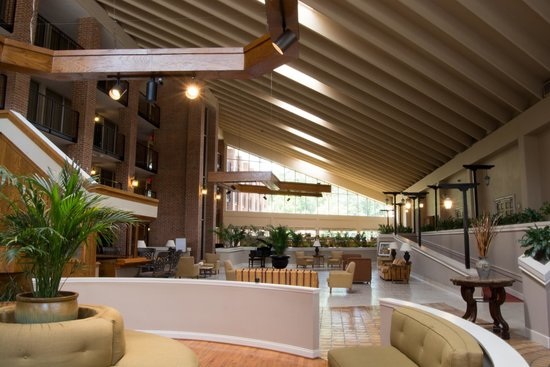Ramada Columbia Fort Jackson Area: The 'Signature' Granary Atrium