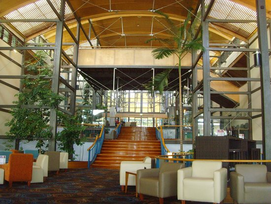 Kingfisher Bay Resort: main entrance