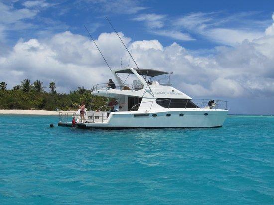 Virgin Motor Yachts: Virgin Traders Power Catamaran at Necker Islands