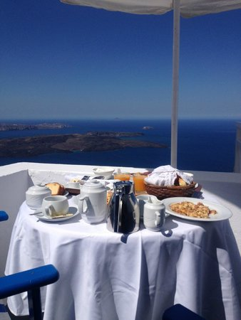 Artemis Villas: breakfast view from balcony