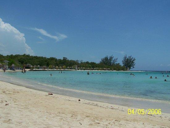 Grand Bahia Principe Jamaica: Beach/Cove