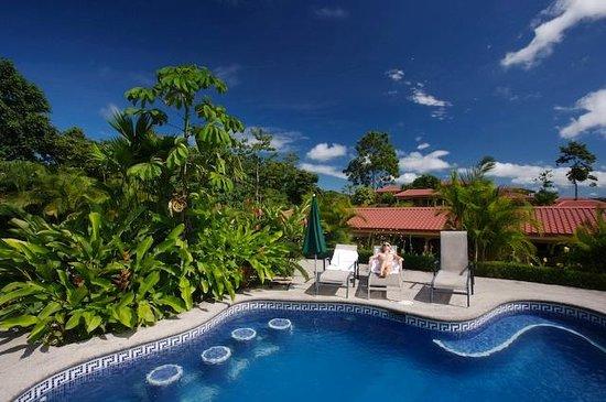 Arenal Volcano Inn : swimming pool