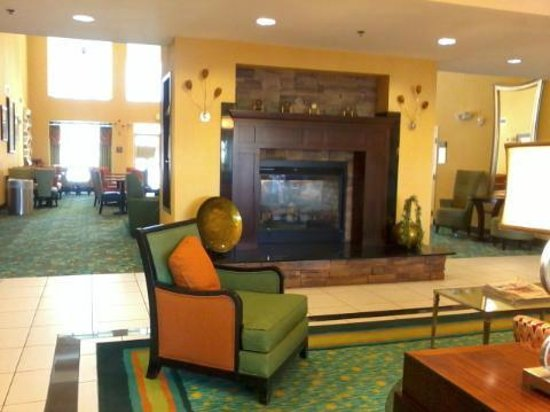 Homewood Suites by Hilton Palm Desert: Outer Dining Room